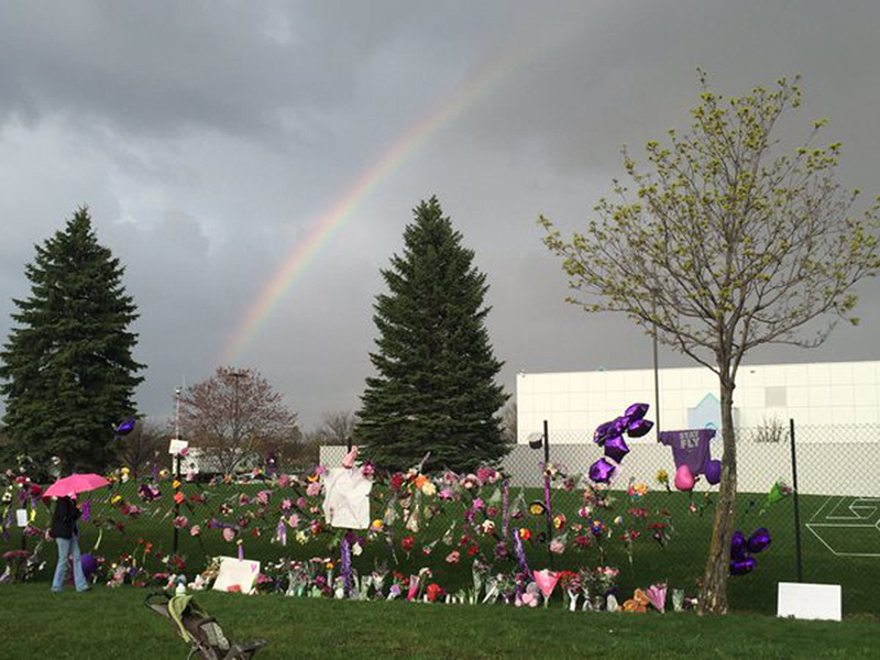 Fans Gather at Paisley Park to Mourn Prince, as Many Remember the Artist's Intimate Surprise Concerts at His Beloved Estate| Death, Untimely Deaths, Music News, Prince