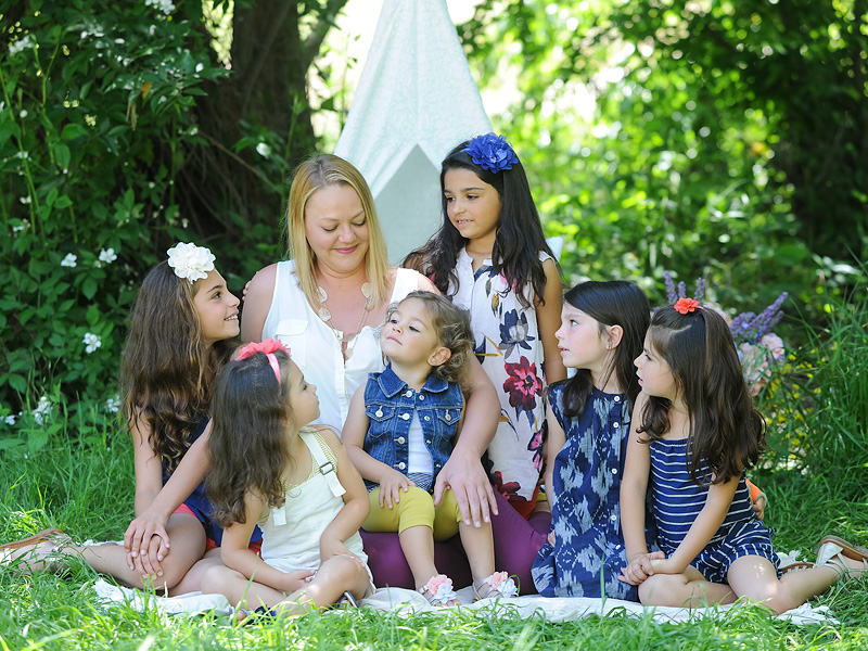 32-Year-Old Single Foster Mom Adopts 6 Sisters: 'I Didn't Even Consider Not Keeping Them Together'| Adoption, Real People Stories, The Daily Smile