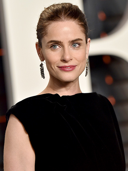 Amanda Peet Will Never Have Surgery to Fix Her 'Saggy Boobs'