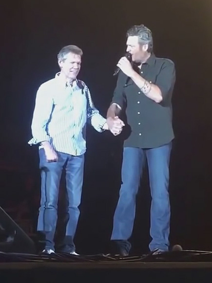 Blake Shelton Takes the Stage Hand-in-Hand with Randy Travis: 'This Is One of My Heroes,' He Tells the Crowd| Country, Music News, Blake Shelton, Randy Travis