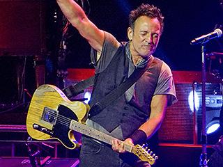Bruce Springsteen Calls Donald Trump a 'Moron' – Says He Likes Hillary Clinton