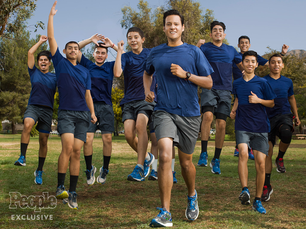 California Cross-Country Coach Returns to His Gang-Ridden Neighborhood to Give Kids a Running Start on Life: 'They're Capable of More'| Heroes Among Us, Sports, Good Deeds, Real People Stories, Real Heroes