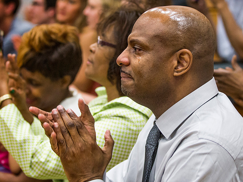 Father Who Was Wrongly Imprisoned for 22 Years Sees His Son Graduate College: 'Thank You for Being My Reason to Live'| Around the Web, Real People Stories, The Daily Smile