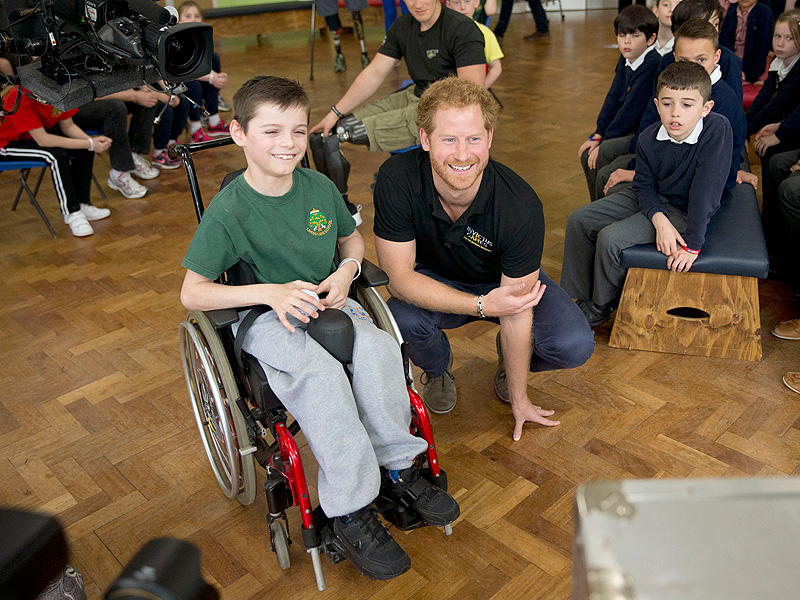 Bold 9-Year-Old Student Asks Prince Harry: 'Are You Ever Going to Be King?'| The British Royals, The Royals, Prince Harry