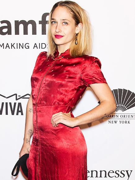Jemima Kirke on Girls Ending: 'It's Like the Last Year of College'  Girls, People Picks, TV News, Lena Dunham