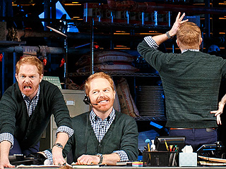 See Jesse Tyler Ferguson Playing 40 Different Characters in New Broadway Show Fully Committed