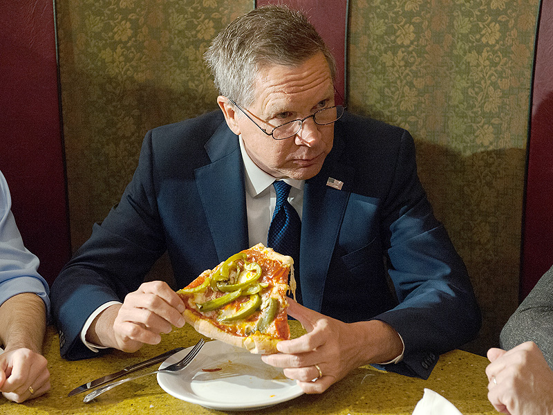 Trump and Kasich in a Food Fight, Literally – Over Pancakes and Steaks  2016 Presidential Elections, politics, Donald Trump