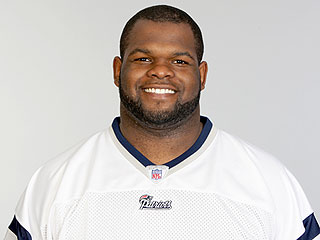 Former Patriots Defensive Lineman Ron Brace Dies at 29