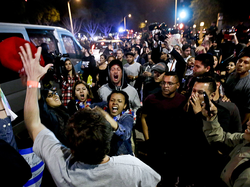 Approximately 20 Arrested, Police Car Window Smashed at Anti-Trump Protest in Southern California| Crime & Courts, True Crime, Donald Trump