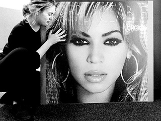Adele Jokes: 'Beyoncé Is the Most Inspiring Person I've Ever Had the Pleasure of Worshipping'