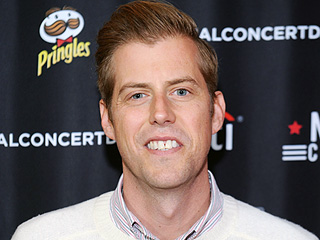 Indie Rocker Andrew McMahon Feels 'Blessed' as He Celebrates 10 Years in Remission from Leukemia