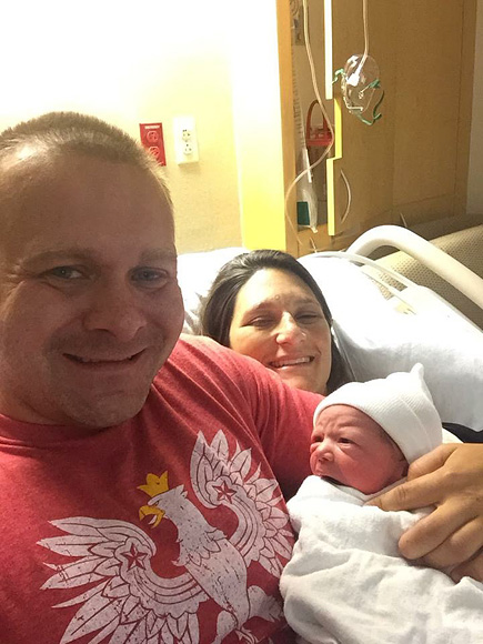 New Jersey Woman Gives Birth to Family's First Baby Girl Since 1860: 'You Broke the Curse!' Says Mother-in-Law| Pregnancy, Pregnancy, Real People Stories, The Daily Smile