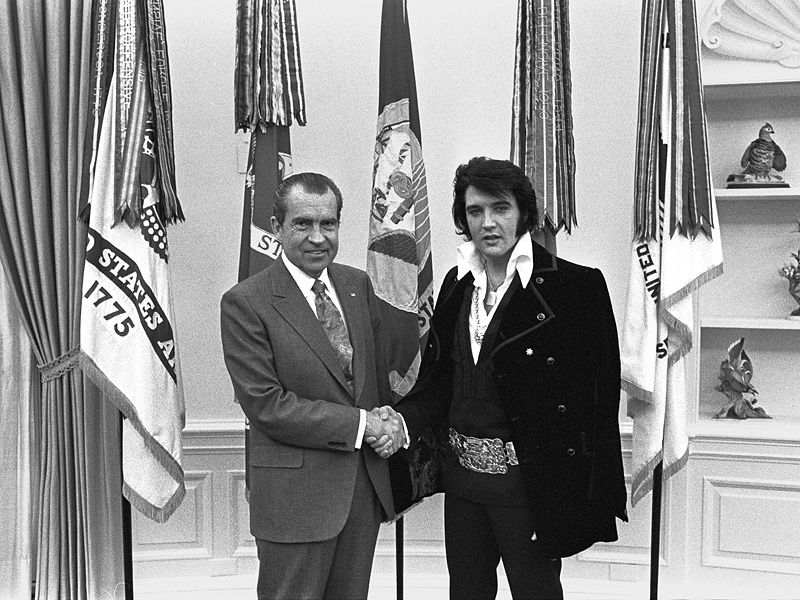 How Nixon Tricked Elvis into Thinking the President Had Made Him a Federal Agent During Famous White House Visit| politics, Books, Elvis Presley, Richard Nixon