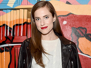 Allison Williams 'Basically Broke' Her Hand Last Year Writing Thank-You Notes for This Charity