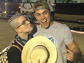 SWAK! Kelly Osbourne (Jokingly?) Calls Dustin Lynch Her 'Boyfriend' in Kissy Face Photo