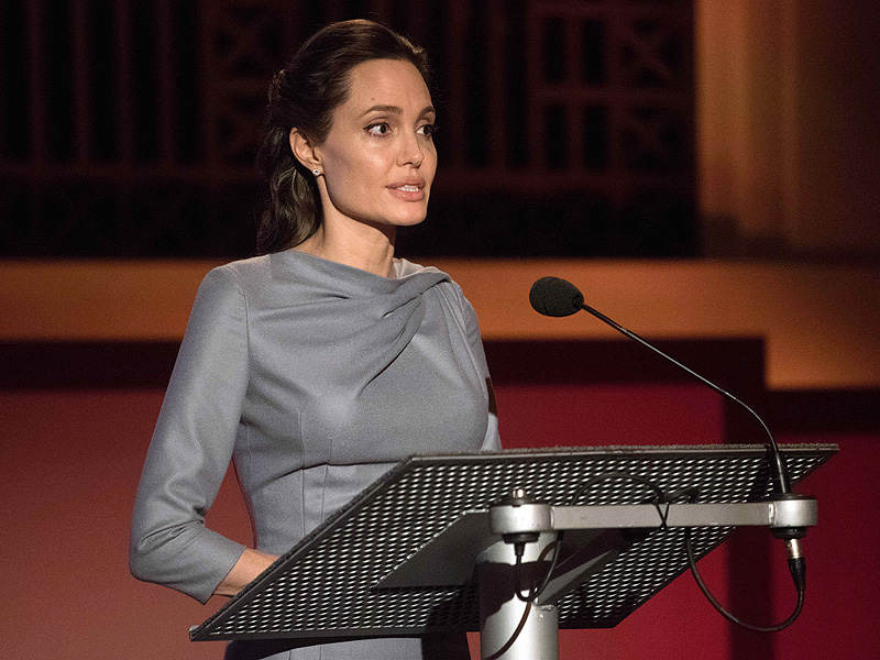 Angelina Jolie Pitt Slams Donald Trump's Anti-Muslim Comments and ...