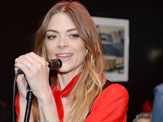 Jaime King Taps a Live Audience to Help Her Finish Her Poetry Book with Kris Kidd