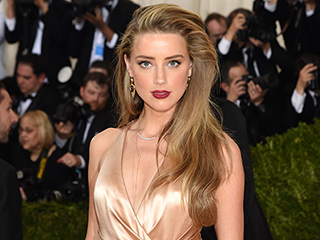 Amber Heard Ditched Her Engagement Ring from Johnny Depp Last Month, but was Still Wearing Wedding Band