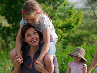 Ashley Judd Reports Back from Her Humanitarian Trip to Ukraine: 'Human Rights Abuses Abound'