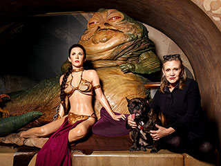 Return of the Bikini! Carrie Fisher Poses with Wax Figure Leia and Her Infamous Gold Bikini
