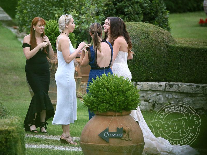 jennifer lawrence attends best friends intimate wedding