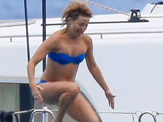 Kate Hudson Diving! Jennifer Lawrence Pyramid! 5 Reasons Why Amy Schumer Is the Best Vacation Pal