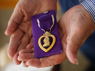Veteran Organization Vows to Return 100 WWI Purple Hearts to Brave Recipients' Families: 'These Are Our Forefathers'