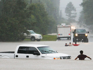 Six Dead, More Missing After Rivers Flood Parts of Texas, Kansas