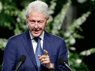 Bill Clinton Eulogizes Muhammad Ali: 'He Decided Very Young to Write His Own Life Story'