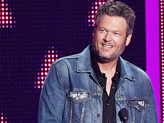 Blake Shelton Takes Home First-Ever CMT Music Awards Social Superstar Title: 'I Have a Few Drinks and Get on Twitter Once in a While!'