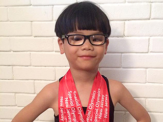 Meet the Formerly Blind Boy Competing in the Special Olympics – 5 Years After His Adoption from a Chinese Orphanage