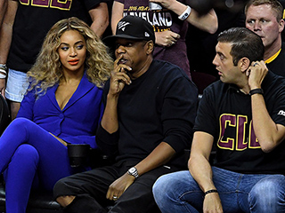Man in Viral Beyoncé Photo Explains the Story Behind Her Apparent Side Eye: She Was 'Beyond Polite'