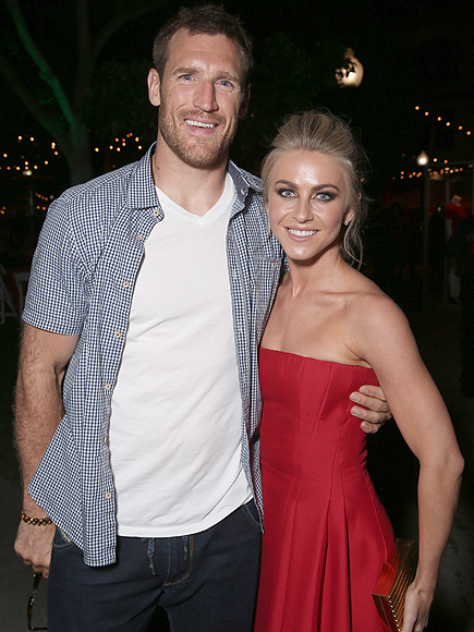 how did julianne hough and brooks laich meet the robinsons