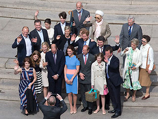 Will and Kate Pose for Family Selfie – Taken by Prince Andrew! See the 'Normal' Photo
