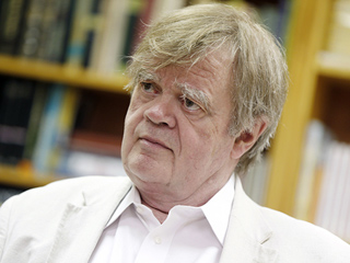 Garrison Keillor Says Goodbye to Prairie Home Companion After 42 Years on the Radio