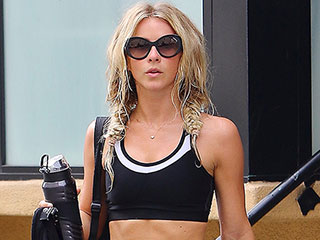 Julianne Hough and Her Rock-Hard Abs Hit the Gym