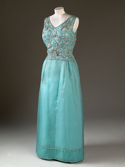 Queen Elizabeth S Iconic Dresses On Display At Buckingham