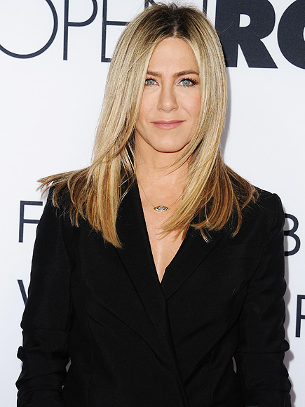 Jennifer Aniston Talks Workouts and Chronic Dry Eye Syndrome