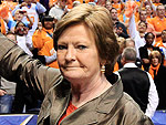 WATCH: Legendary Women's Basketball Coach Pat Summitt Dies at 64 After Five-Year Battle With Alzheimer's