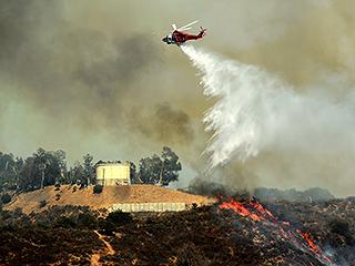 Hollywood Hills Bush Fire Sparks Voluntary Evacuation in Neighborhood