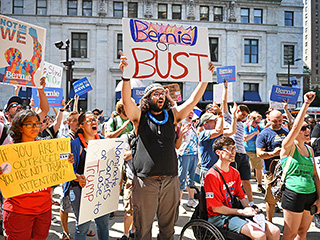 'Nominate Sanders or Lose in November!' Bernie-or-Busters Protest Hillary Clinton Nomination in Philadelphia
