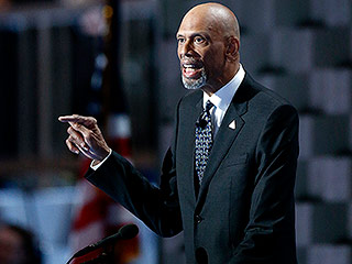 Kareem Abdul-Jabbar Bashes Trump in Epic Joke at DNC – and Twitter Goes Wild
