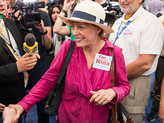 Susan Sarandon, Shailene Woodley Protest Treatment of Bernie Sanders Supporters at DNC