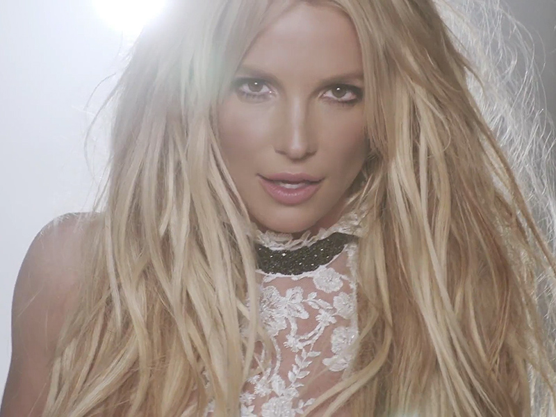 Britney Spears' New Al...