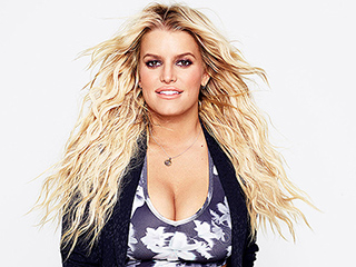 Jessica Simpson on Deciding Not to Get a Breast Reduction: 'My Boobs Just Have Their Own Life'