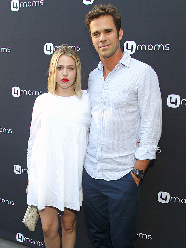 Majandra Delfino 4Moms Carseat Launch