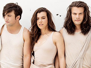 FROM EW: Hear The Band Perry's New Single 'Comeback Kid'