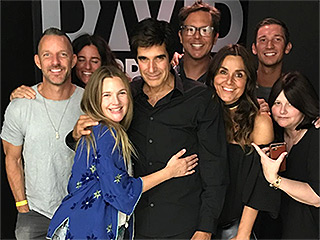 Drew Barrymore Goes to #VegasBaby After Finalizing Divorce – and Hangs Out with J.Lo and David Copperfield