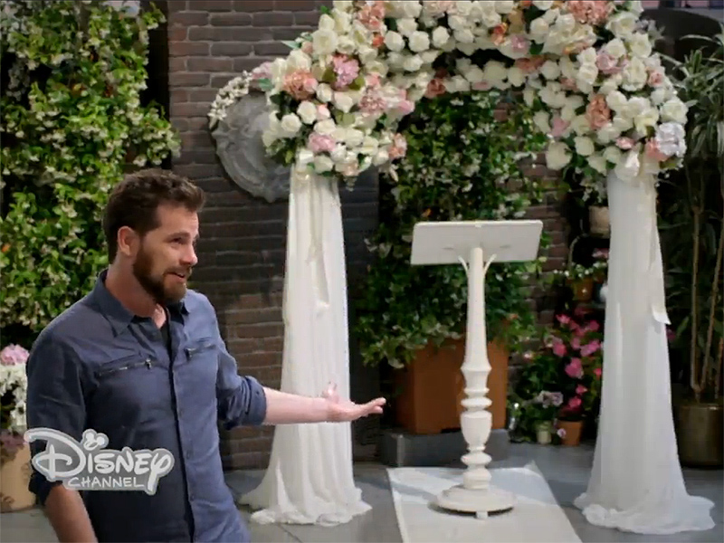 girl meets world shawn hunter clip Sequel to boy meets world shawn and zoey hunter are married and have two children their daughter, isabelle, faces life lessons through her family, friends and shool--where her mother is her history teacher -- as her parents did when they were younger.
