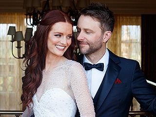 Wore pink talking dead s chris hardwick and lydia hearst are married